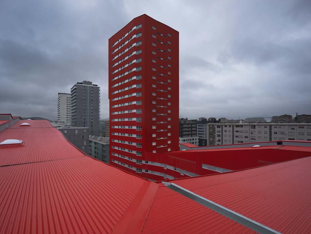 242_Salburua_Social_Housing_002_Architecture_IDOM_coyright_Aitor_Ortiz