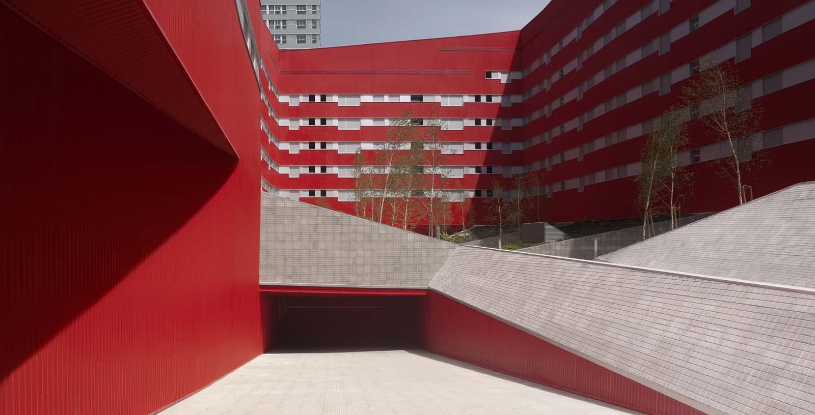 242_Salburua_Social_Housing_003_Architecture_IDOM_coyright_Aitor_Ortiz