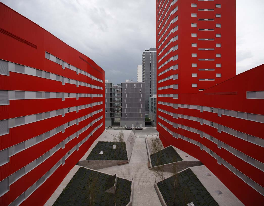 242_Salburua_Social_Housing_005_Architecture_IDOM_coyright_Aitor_Ortiz