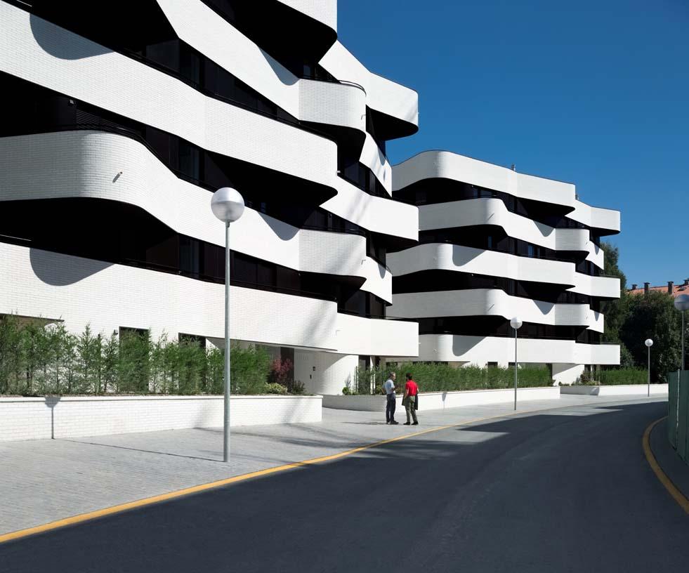 58_subsidized_flats_Torresolo_02_Architecture_IDOM_photos_Aitor_Ortiz