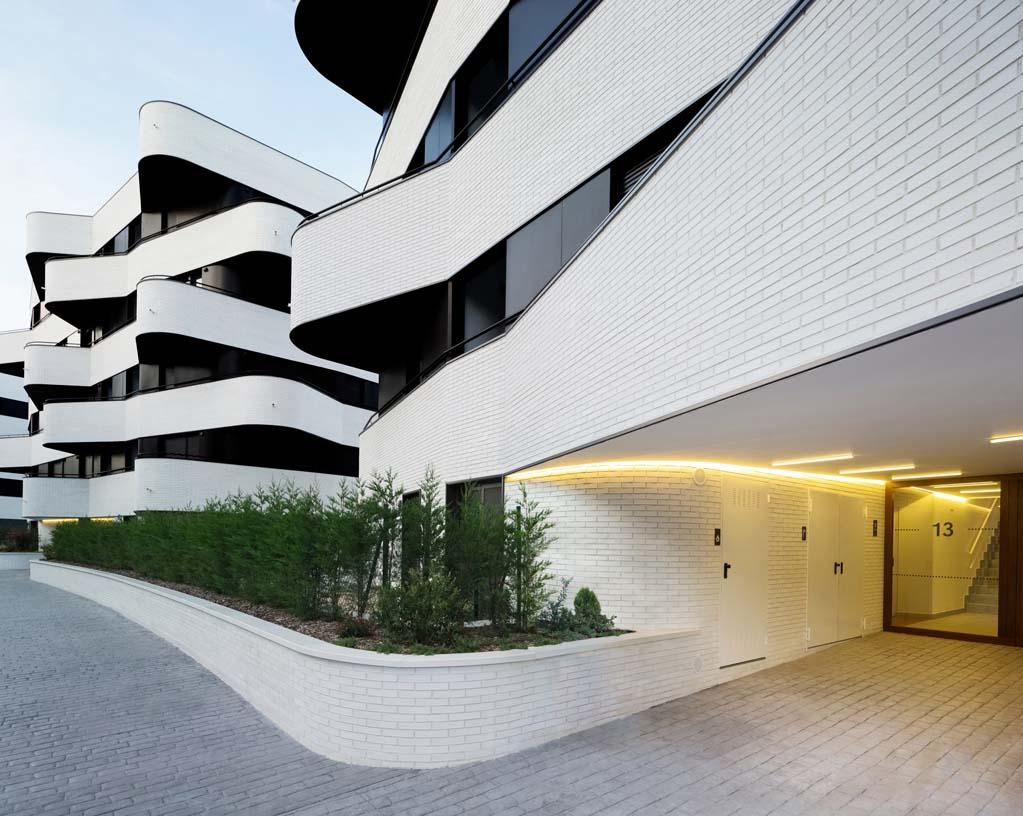 58_subsidized_flats_Torresolo_03_Architecture_IDOM_photos_Aitor_Ortiz