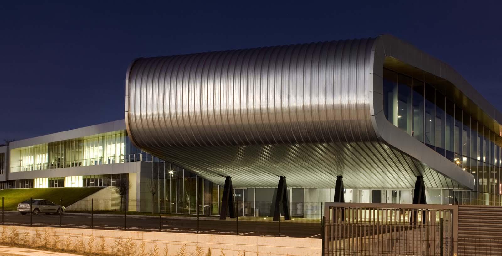 AIC_Automotive_Centre_02_Architecture_Idom_photos_Aitor_Ortiz