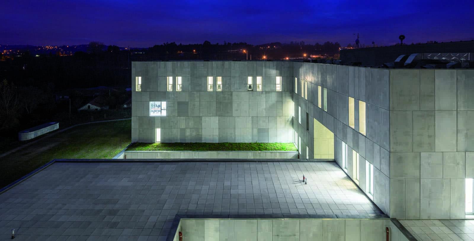 Amarante_Hospital_02_Architecture_IDOM_photos_Fernando_Guerra
