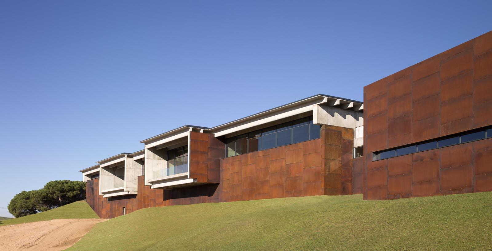Beronia_Winery_03_Architecture_IDOM_copyright_Aitor_Ortiz