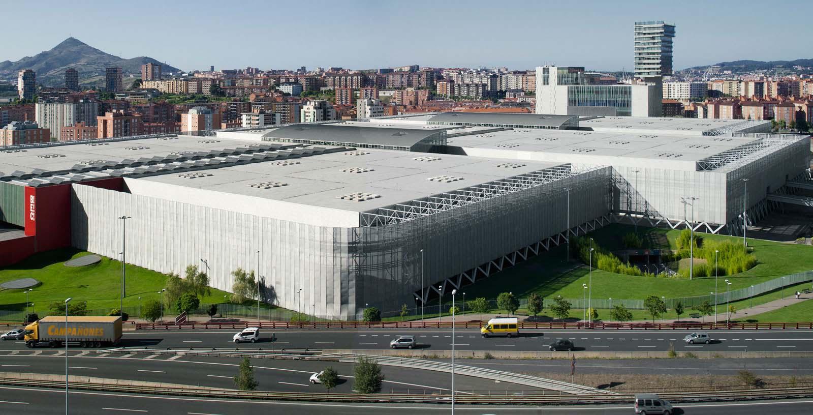 Bilbao-Exhibiton-Centre_03_Architecture_Idom_photos_Aitor-Ortiz