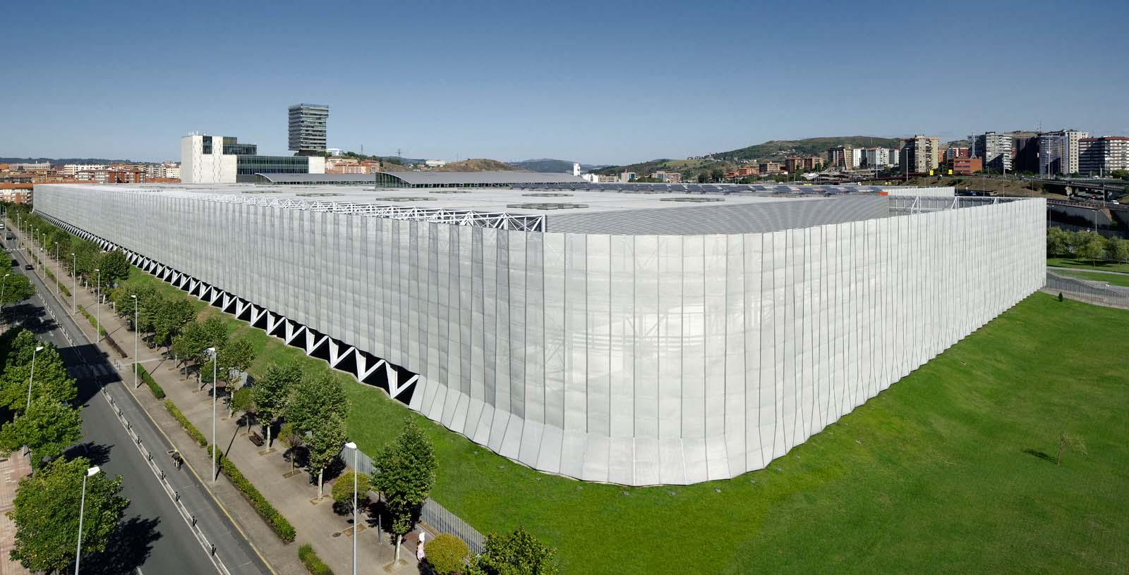 Bilbao-Exhibiton-Centre_04_Architecture_Idom_photos_Aitor-Ortiz