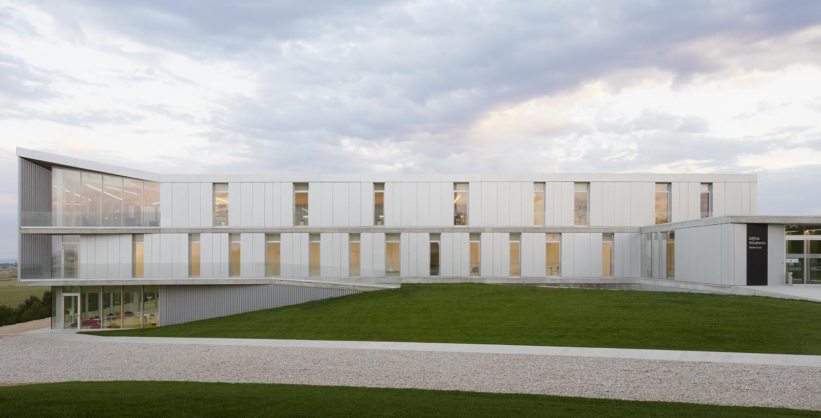 Building-San_Jorge_University_05-Architecture-IDOM-copyright-Inaki_Bergera