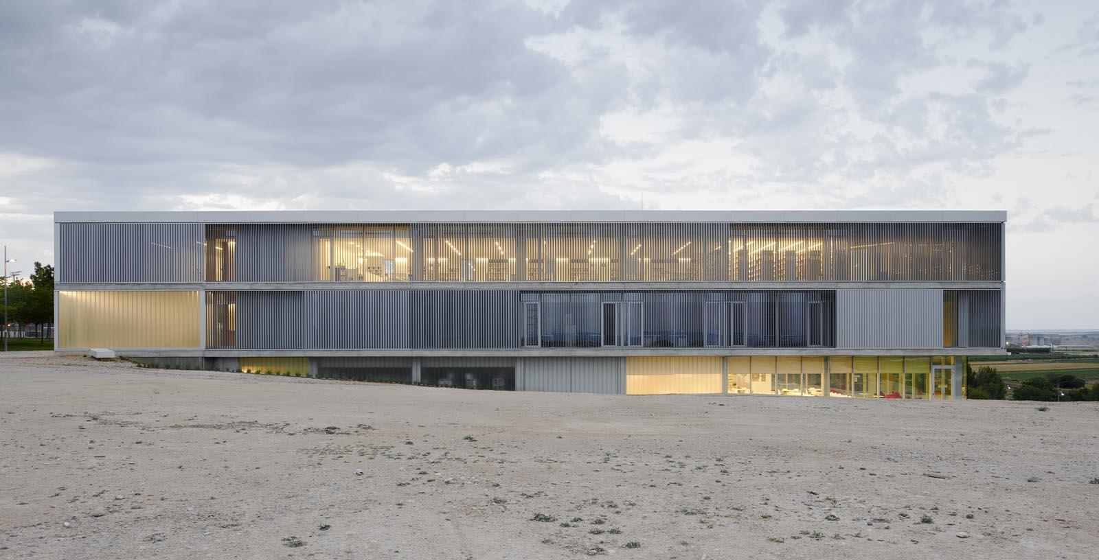 Building-San_Jorge_University_15-Architecture-IDOM-copyright-Inaki_Bergera