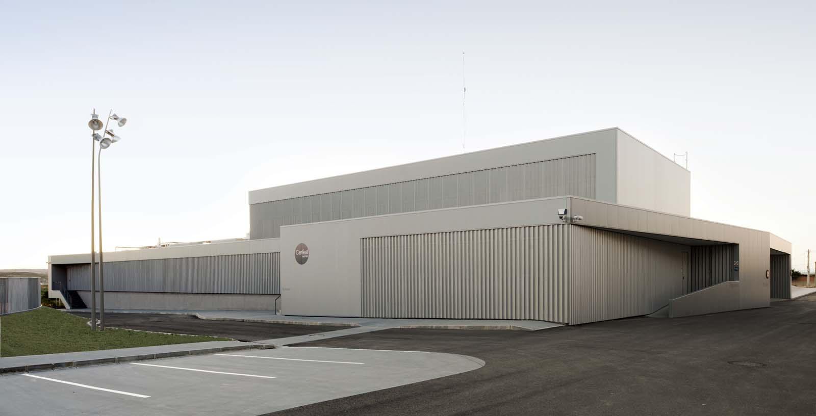Certest_Biotec_R_D_Laboratories_01_Architecture_Idom_photos_I_aki_Bergera