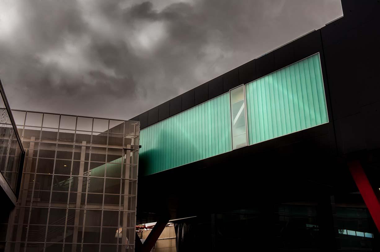 Cross-border_at_Tijuana_airport_02_Architecture_IDOM_photos_Pradip_J._Phanse