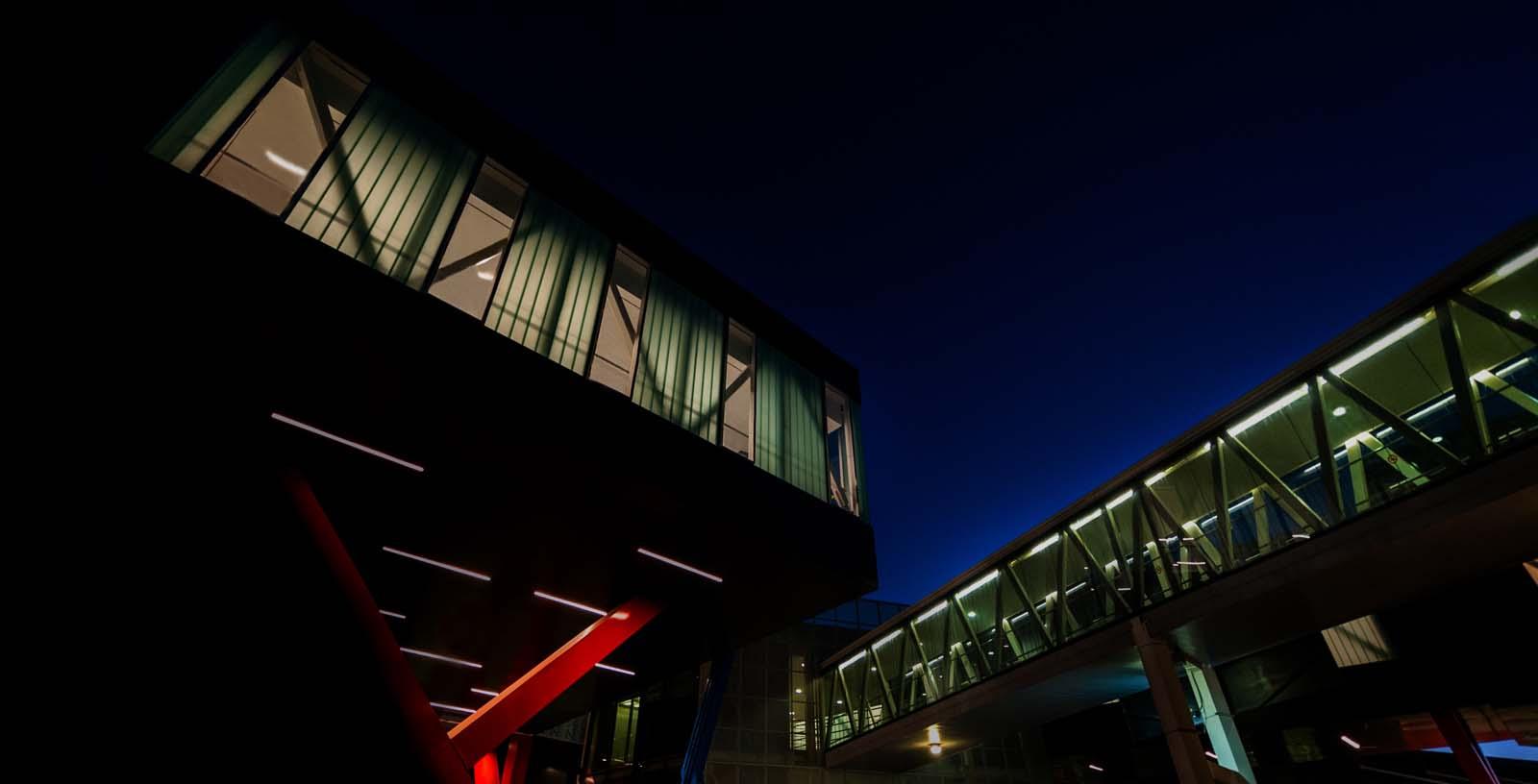 Cross-border_at_Tijuana_airport_03_Architecture_IDOM_photos_Pradip_J._Phanse