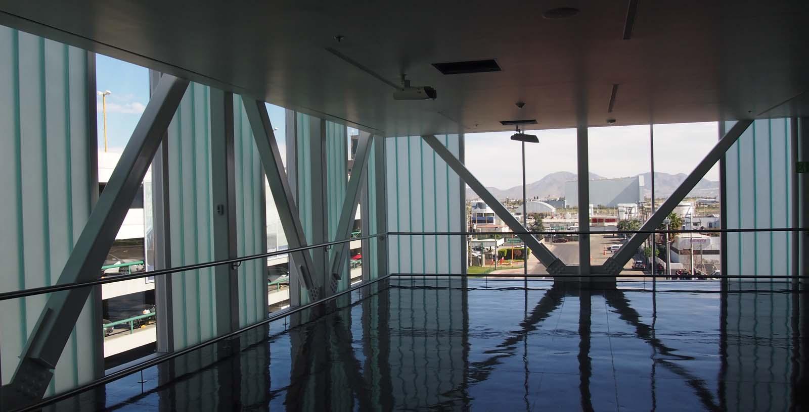 Cross-border_at_Tijuana_airport_04_Architecture_IDOM_photos_Pradip_J_Phanse