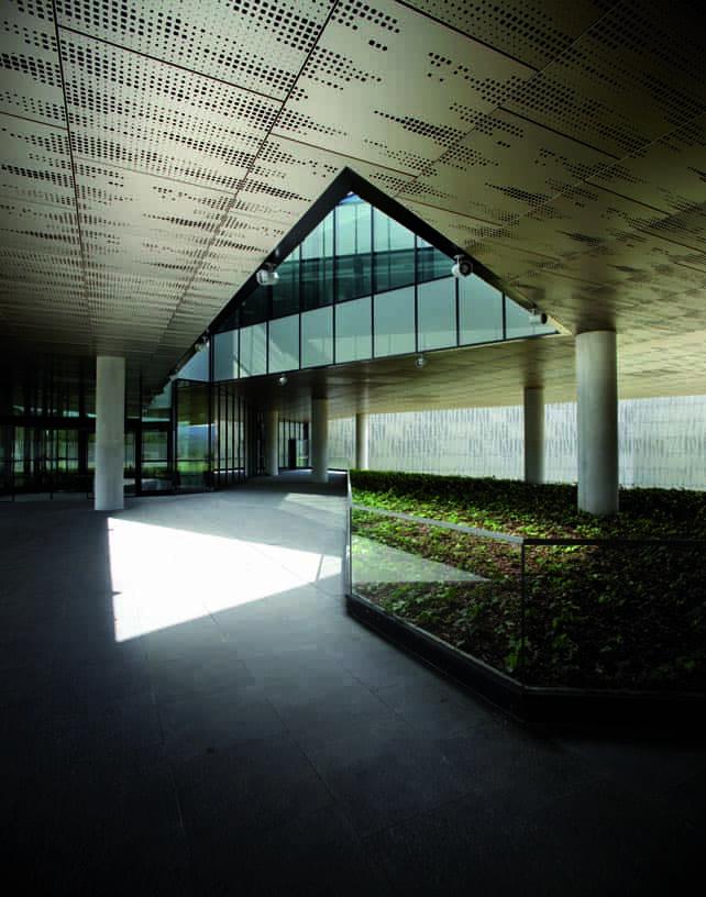 Data_Processing_Centre_05_Architecture_Idom_photo_Edouard_Decam
