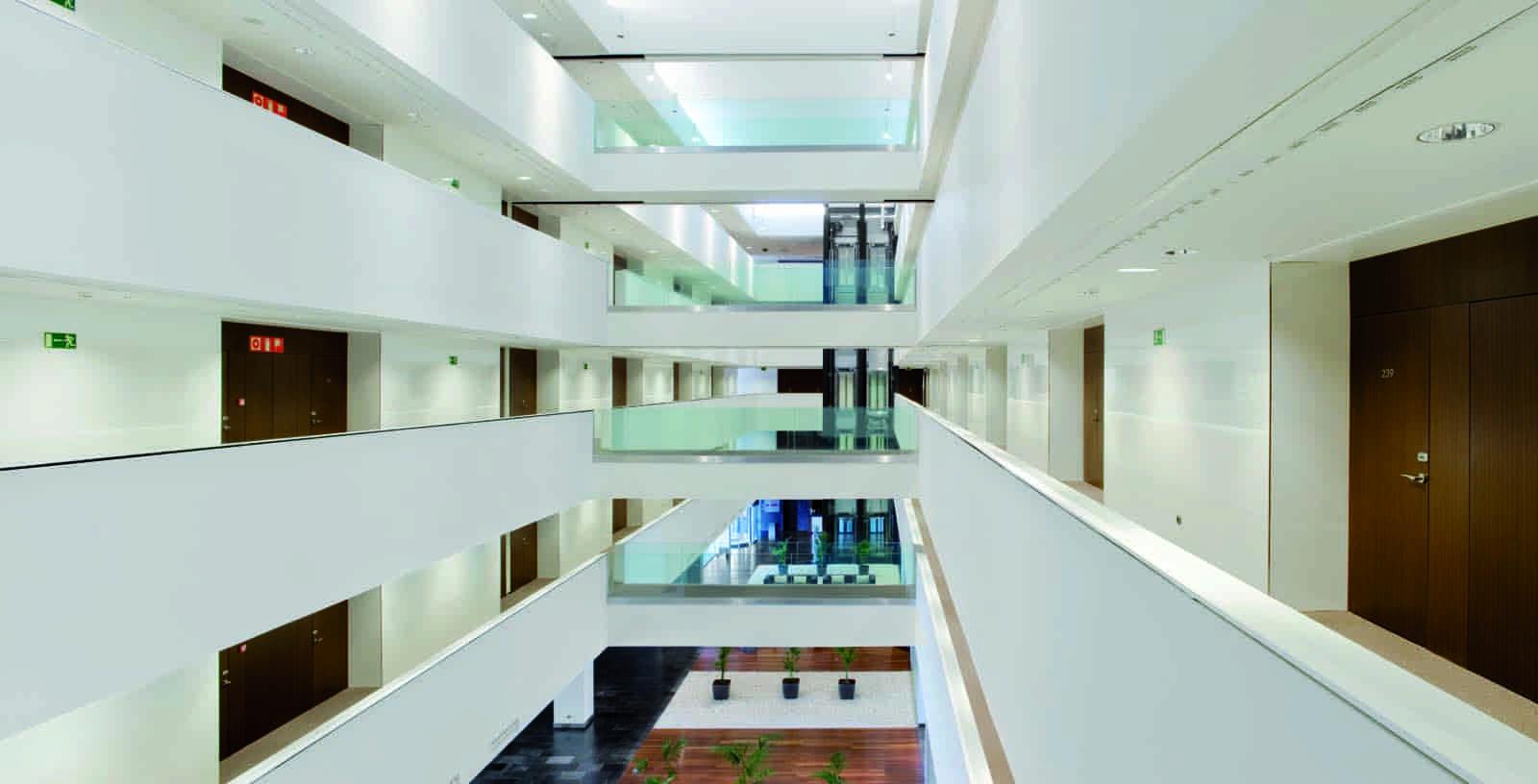 Diagonal_Plaza_Hotel_03_Architecture_Idom_photos_Aitor_Ortiz