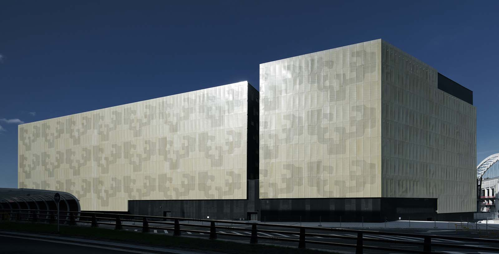 Engineerings_Schools_Building_Bilbao_01_Architecture_IDOM_photos_Aitor_Ortiz