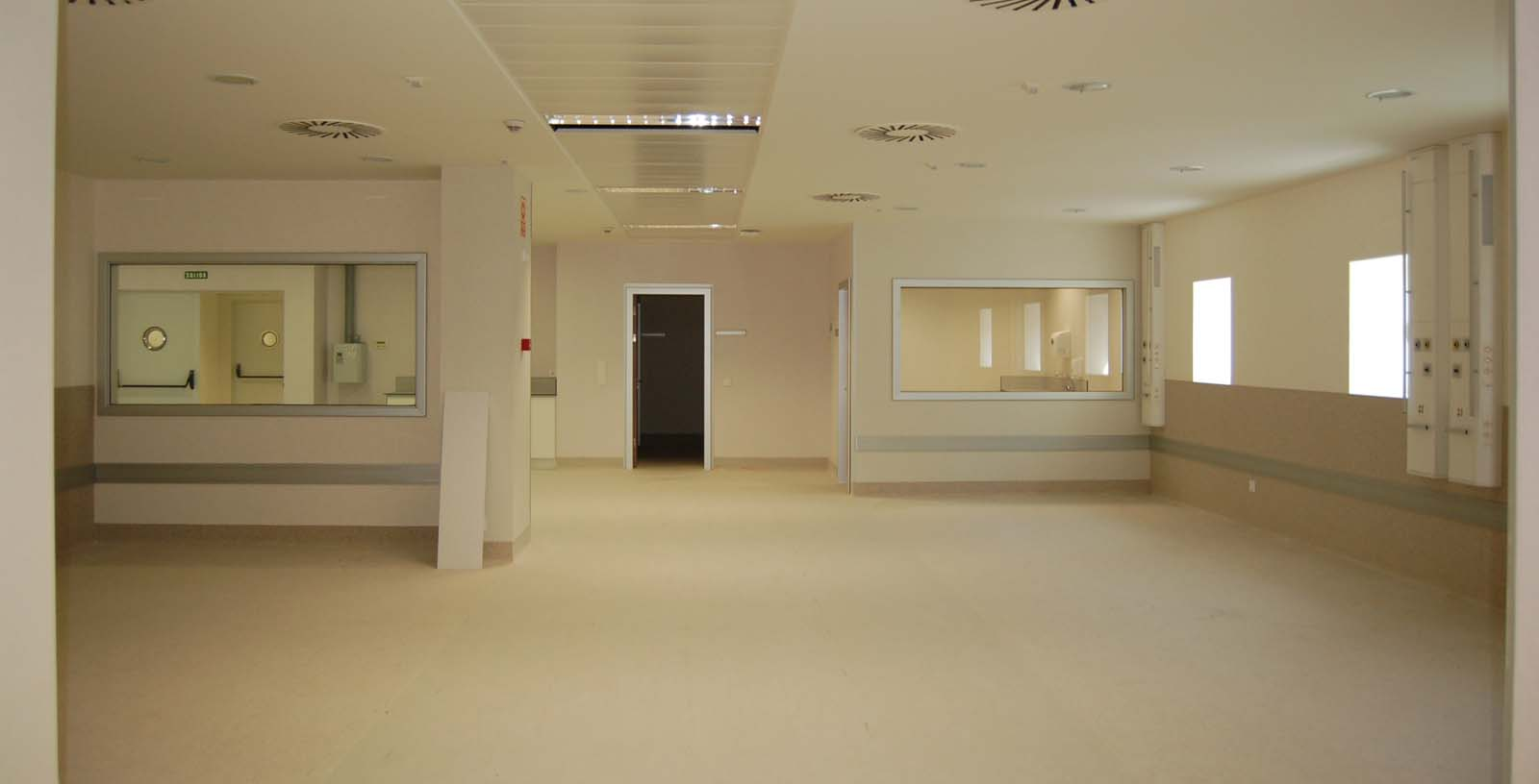Gandia_Hospital_04_Building_Idom