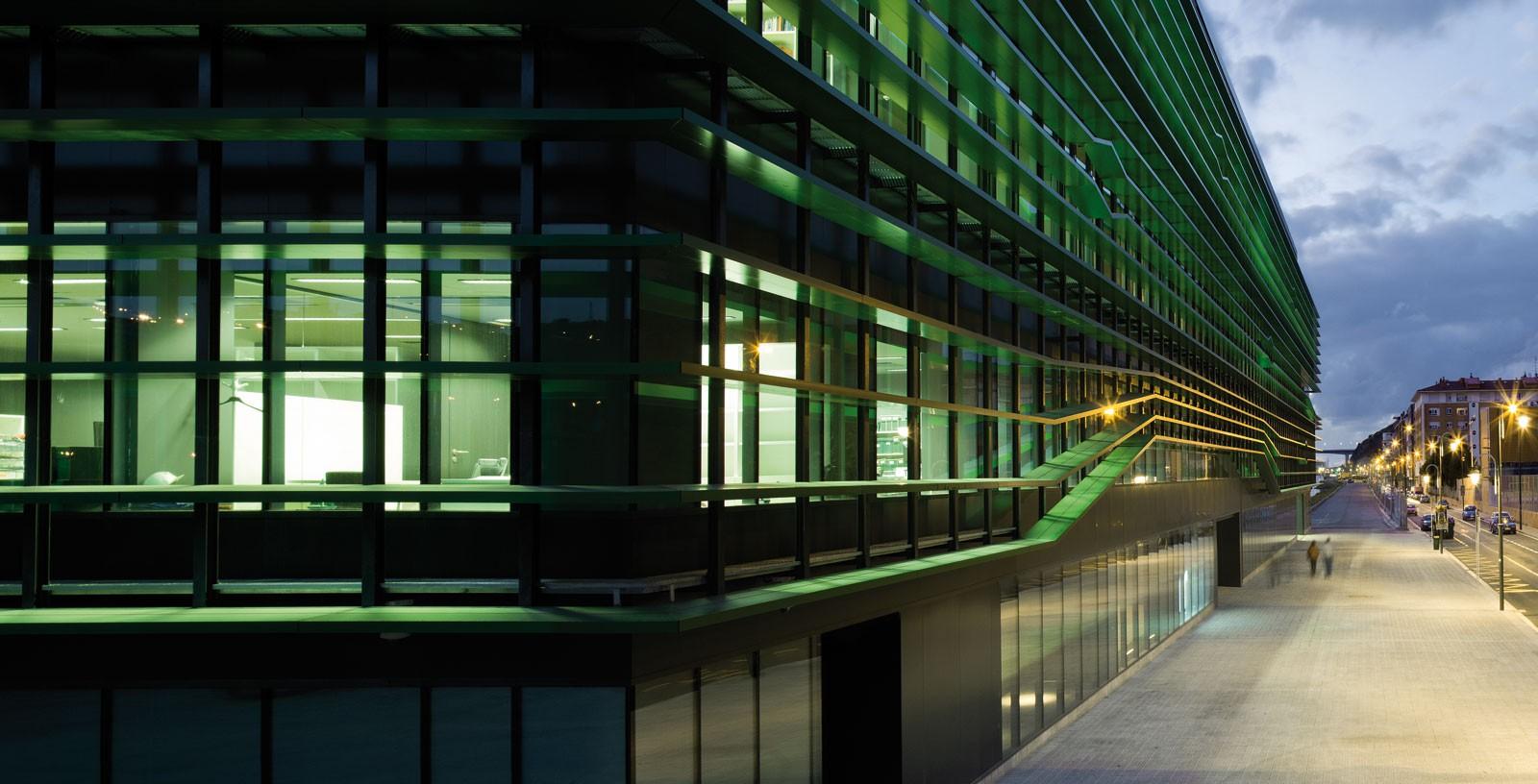 Idom-Headquarters_Bilbao_01_Architecture_Idom_Photos_Aitor-Ortiz
