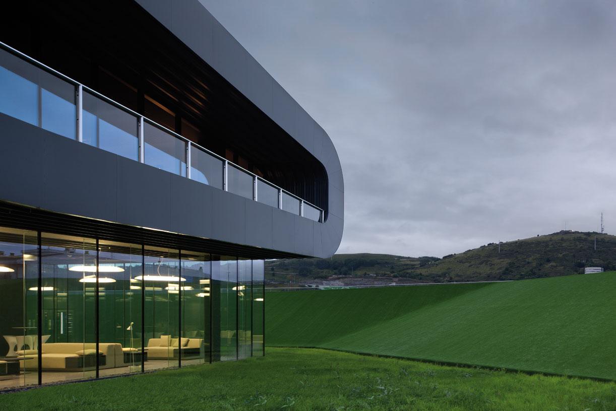 Idom-Headquarters_Bilbao_03_Architecture_Idom_Photos_Aitor-Ortiz