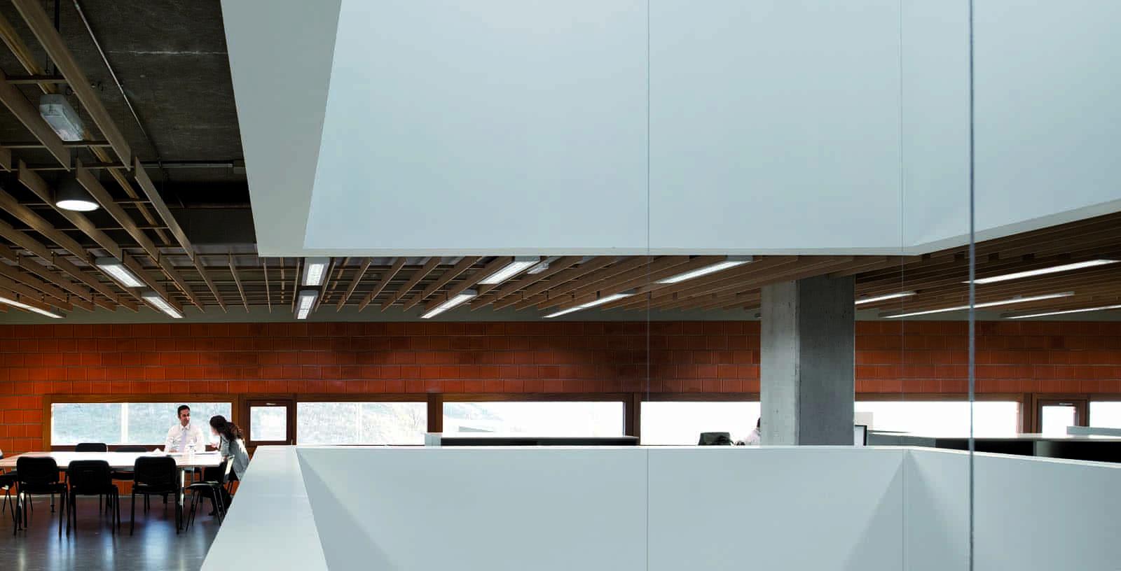 Idom_Office_Madrid_03_Architecture_Idom_Photos_Fernando_Guerra