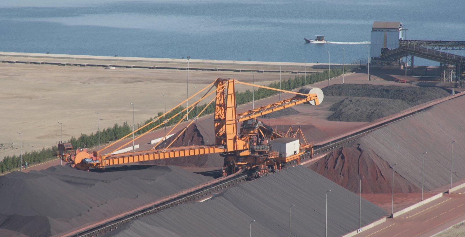 JINDAL_Iron_ore_Sohar_port_Oman_Idom08