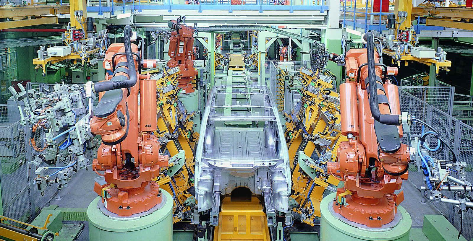 MERCEDES_BENZ_EPCM_Automobile_manufacturing_plantas_04_Idom
