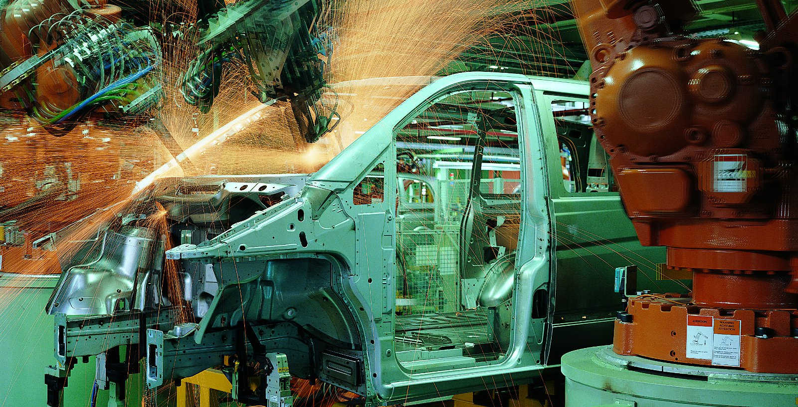 MERCEDES_BENZ_EPCM_Automobile_manufacturing_plantas_05_Idom