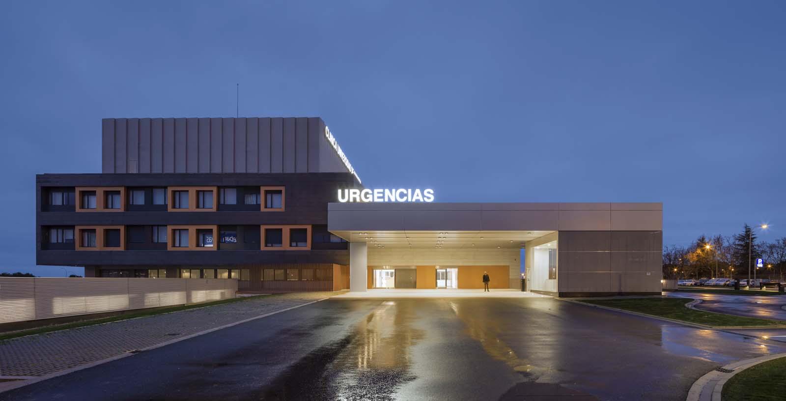 Navarra_University_Clinic-01-Architecture-IDOM-photos-Aitor_Ortiz