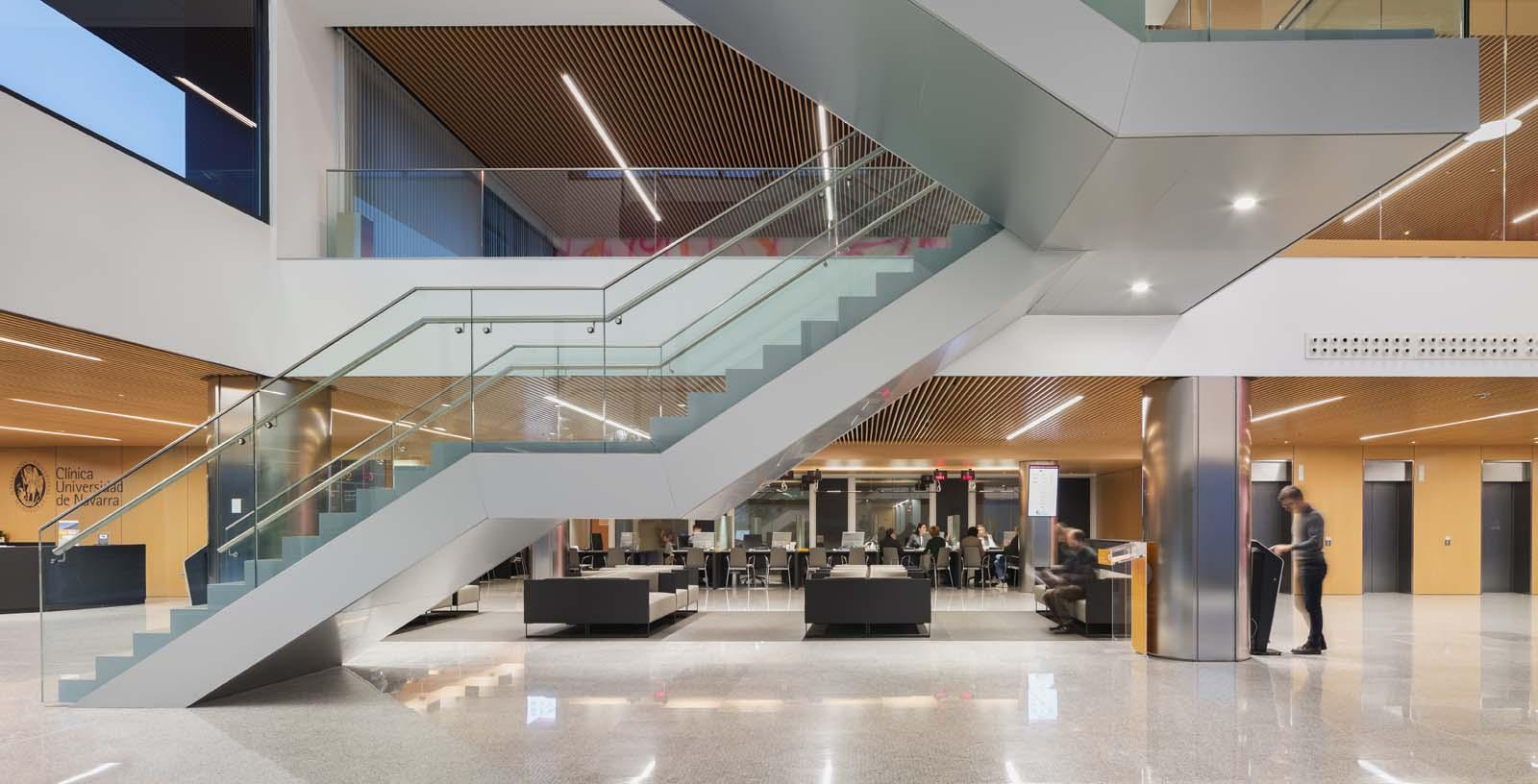 Navarra_University_Clinic-02-Architecture-IDOM-photos-Aitor_Ortiz