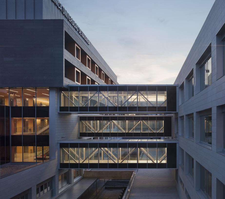 Navarra_University_Clinic-10-Architecture-IDOM-photos-Aitor_Ortiz