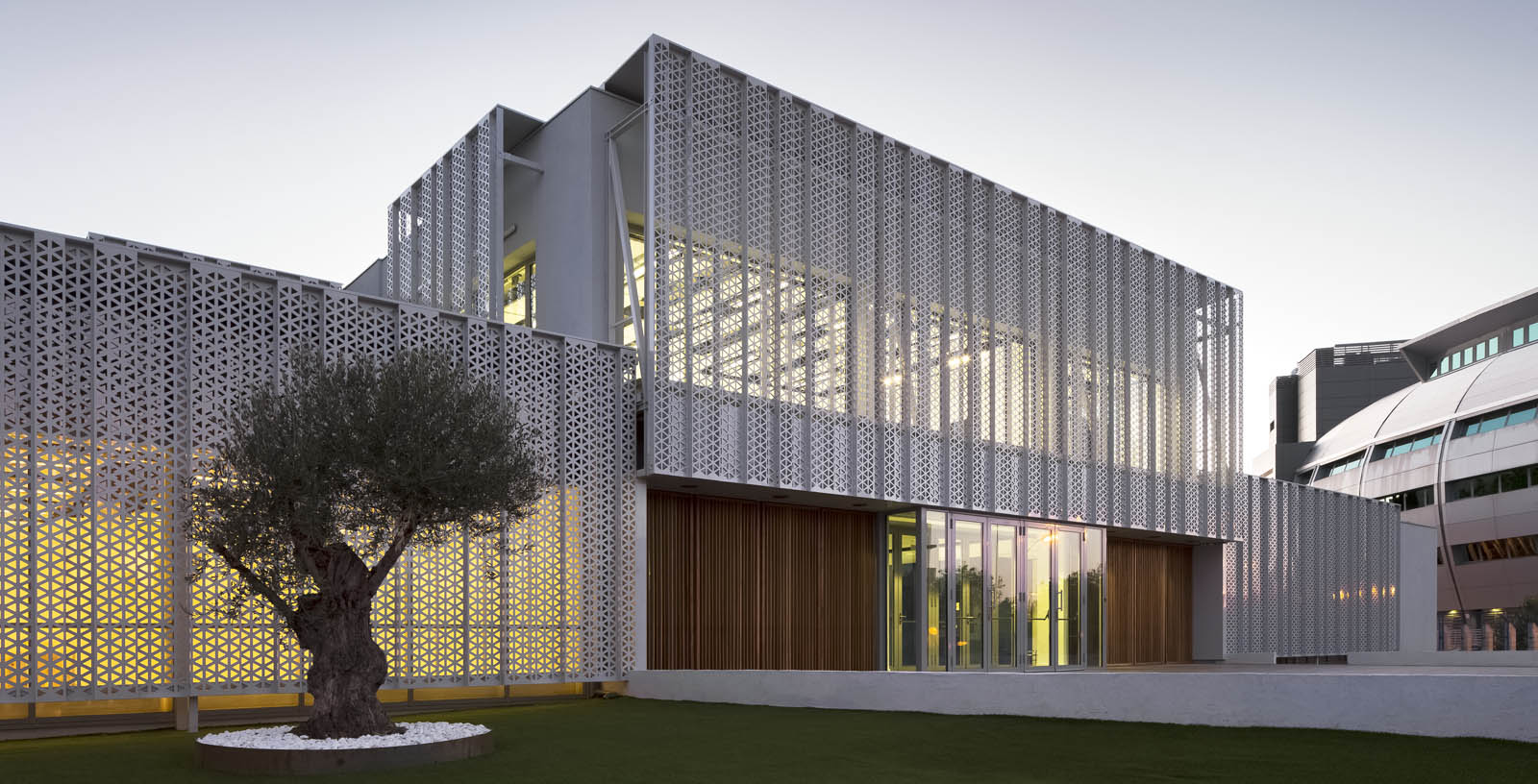 New-Campus-Red-Electrica-46-Architecture-IDOM-photos-Aitor-Ortiz