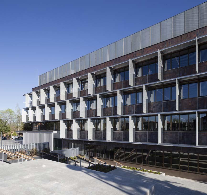 New_ONO_corporate_headquarters_02_Architecture_IDOM_photos_Miguel_de_Guzm_n