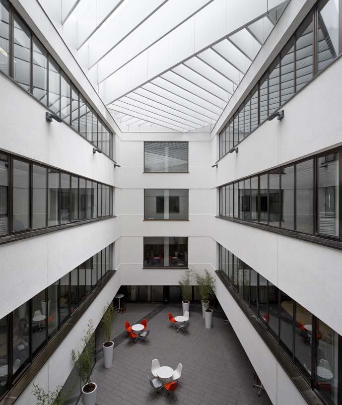 New_ONO_corporate_headquarters_05_Architecture_IDOM_photos_Miguel_de_Guzm_n