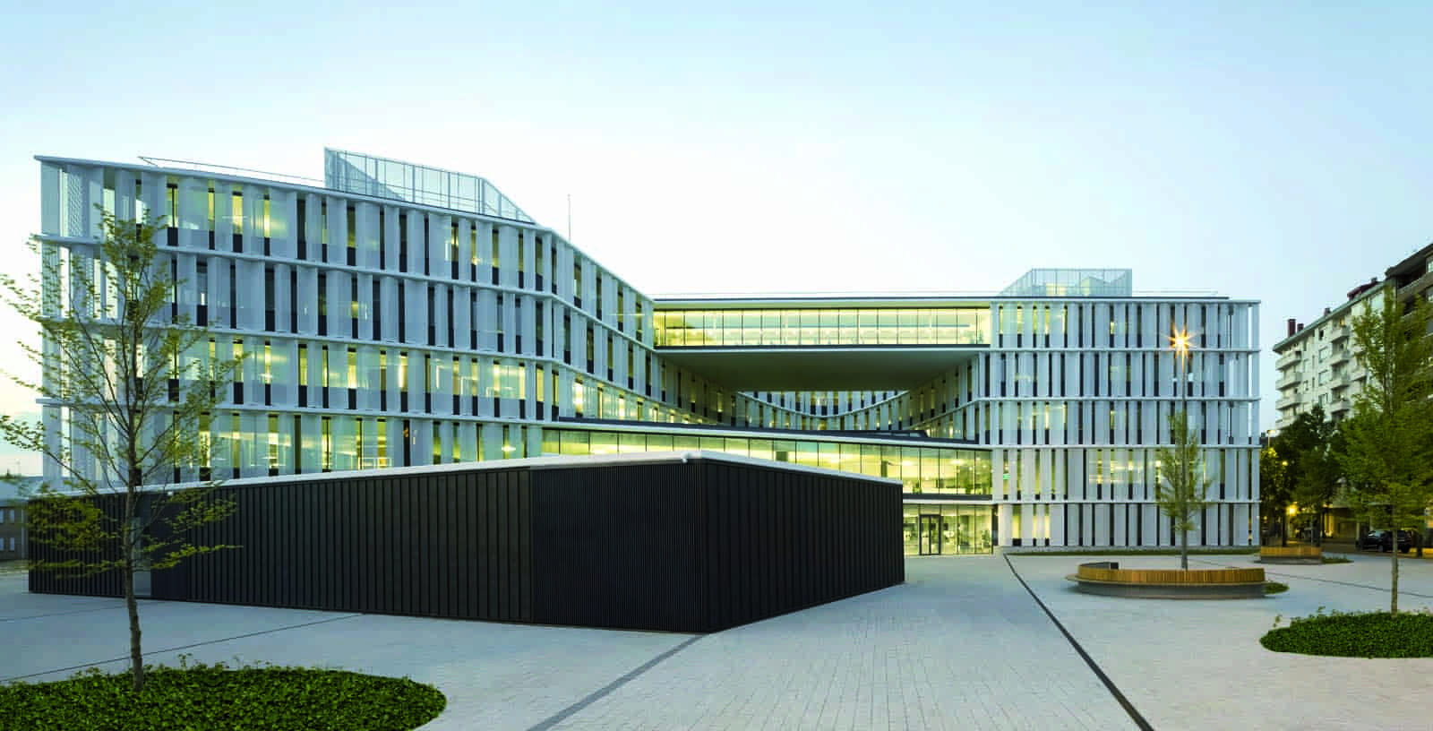 New_Offices_Vitoria_City_Council_01_Architecture_Idom_Photos_Aitor_Ortiz