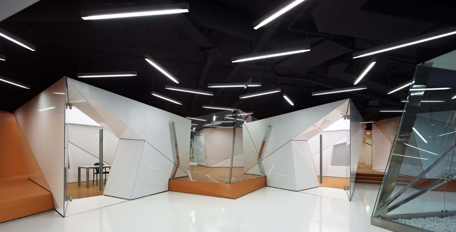 Offices_of_the_IT_and_telecommunication_services_01_Architecture_IDOM_photos_Eugeni_Pons