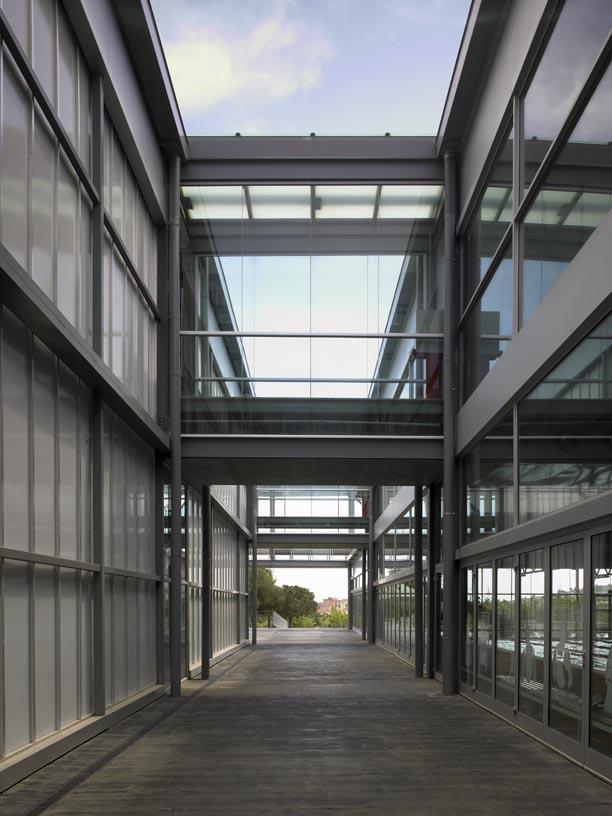 Pau_Gasol_Sports_Center-05-Architecture-IDOM-photo-Eugeni_Pons