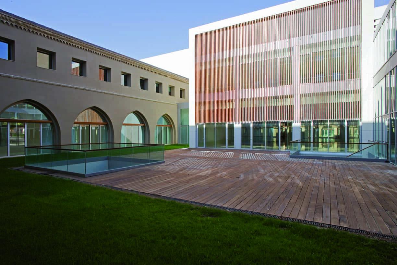 Refurbishment_of_the_Metropolitan_seminary_02_Architecture_IDOM_photo_Aitor_Ortiz