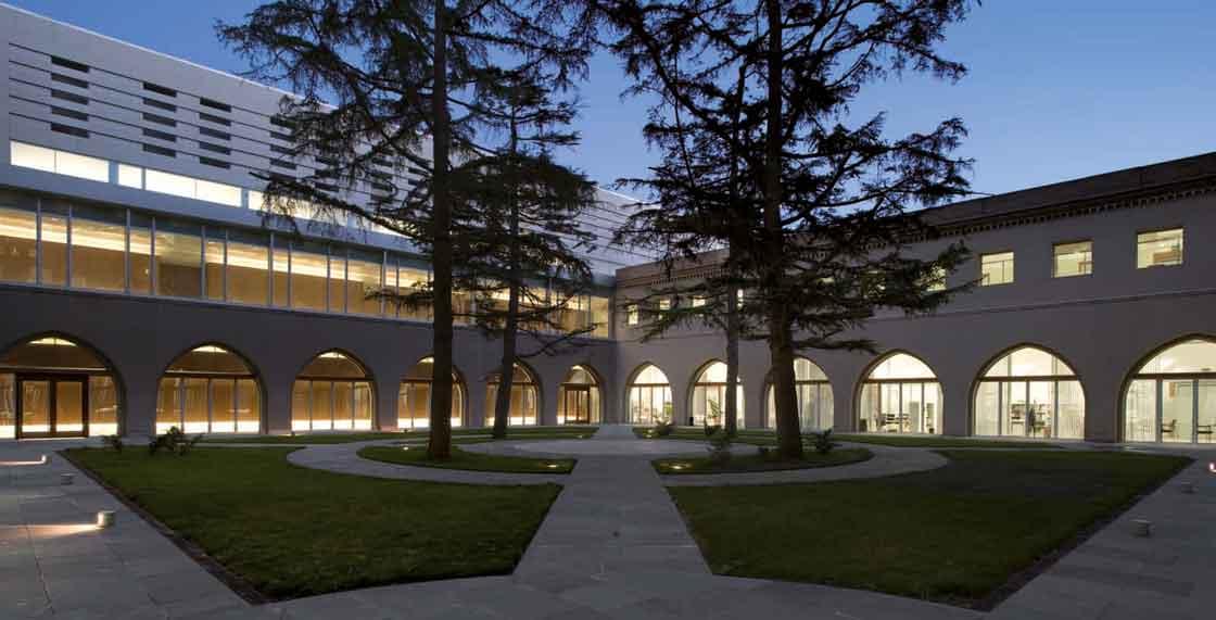 Refurbishment_of_the_Metropolitan_seminary_03_Architecture_IDOM_photo_Aitor_Ortiz
