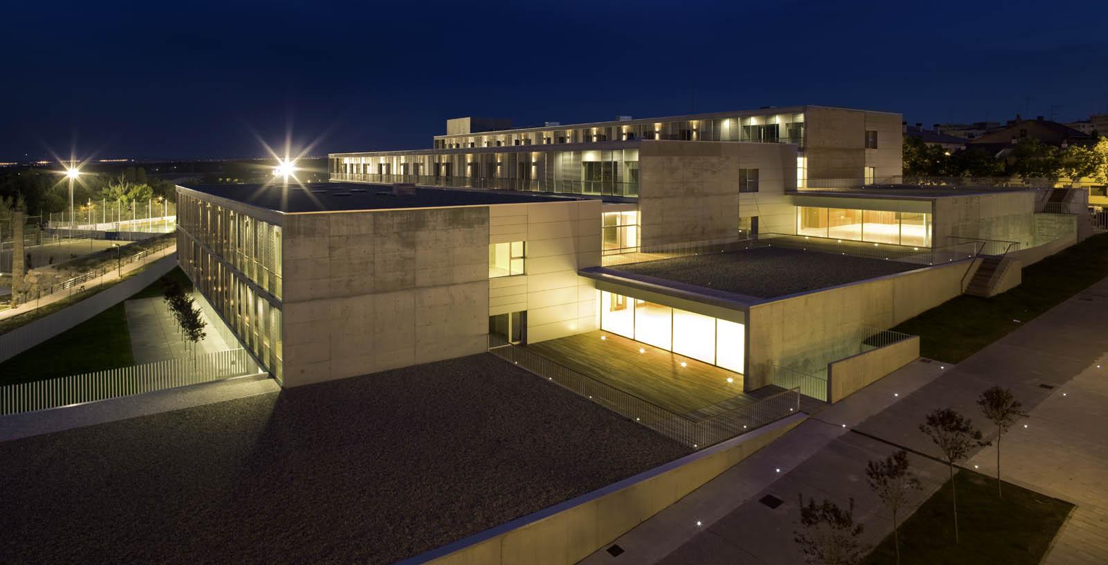 Retirement_Home_Zaragoza_03_Architecture_IDOM_pictures_Aitor_Ortiz
