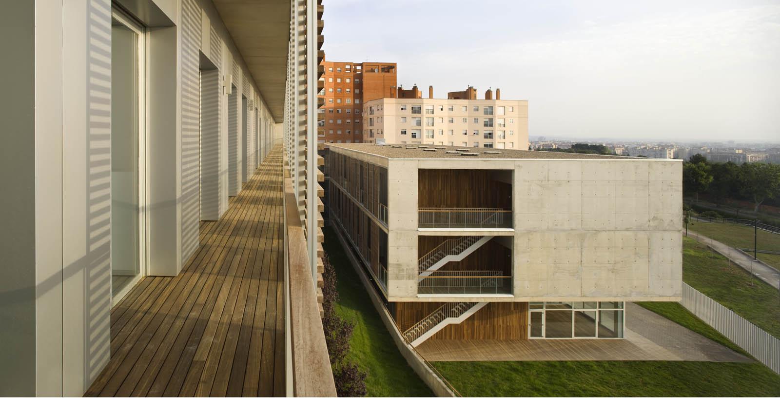 Retirement_Home_Zaragoza_04_Architecture_IDOM_pictures_Aitor_Ortiz