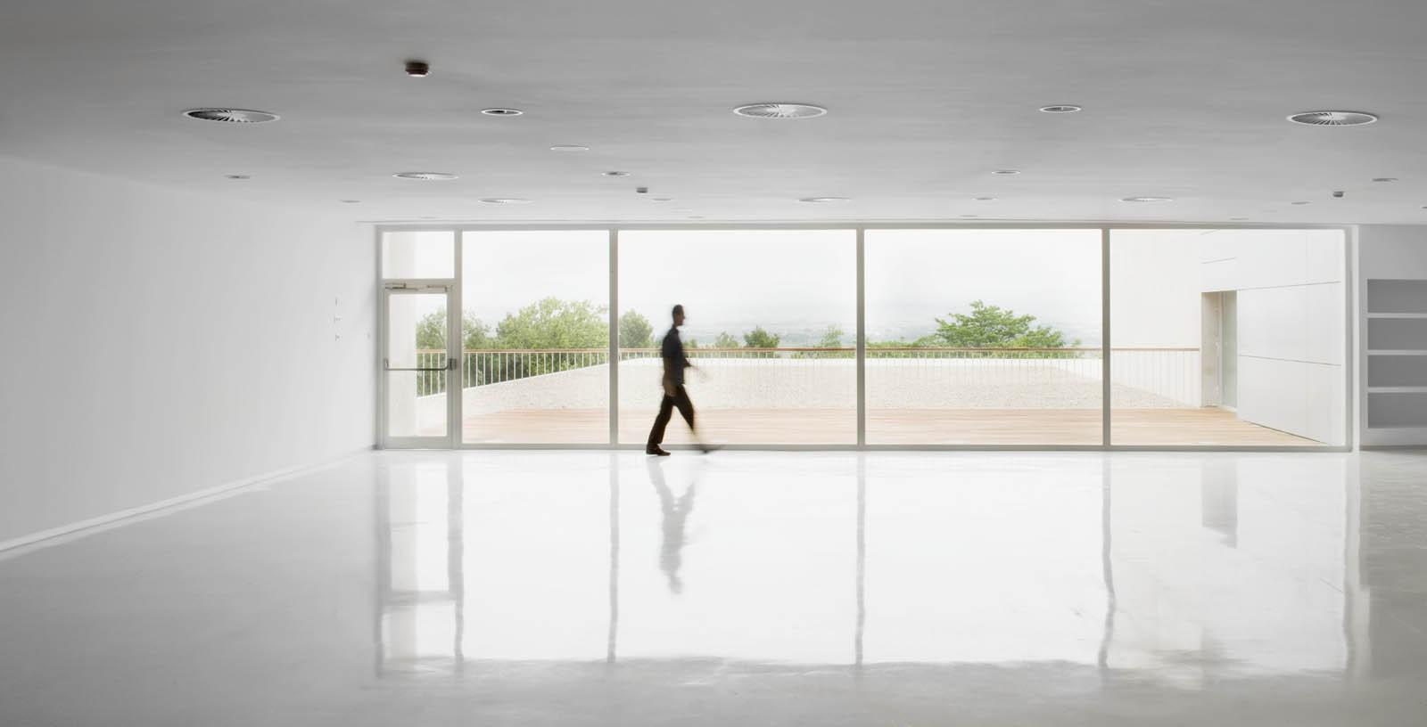Retirement_Home_Zaragoza_05_Architecture_IDOM_pictures_Aitor_Ortiz