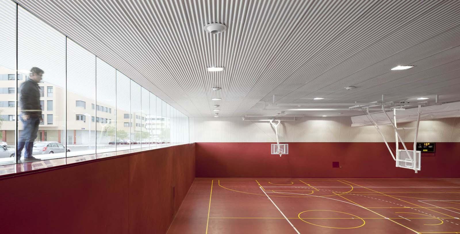 Salburua_Civic_Centre_02_Architecture_IDOM_photo_Aitor_Ortiz