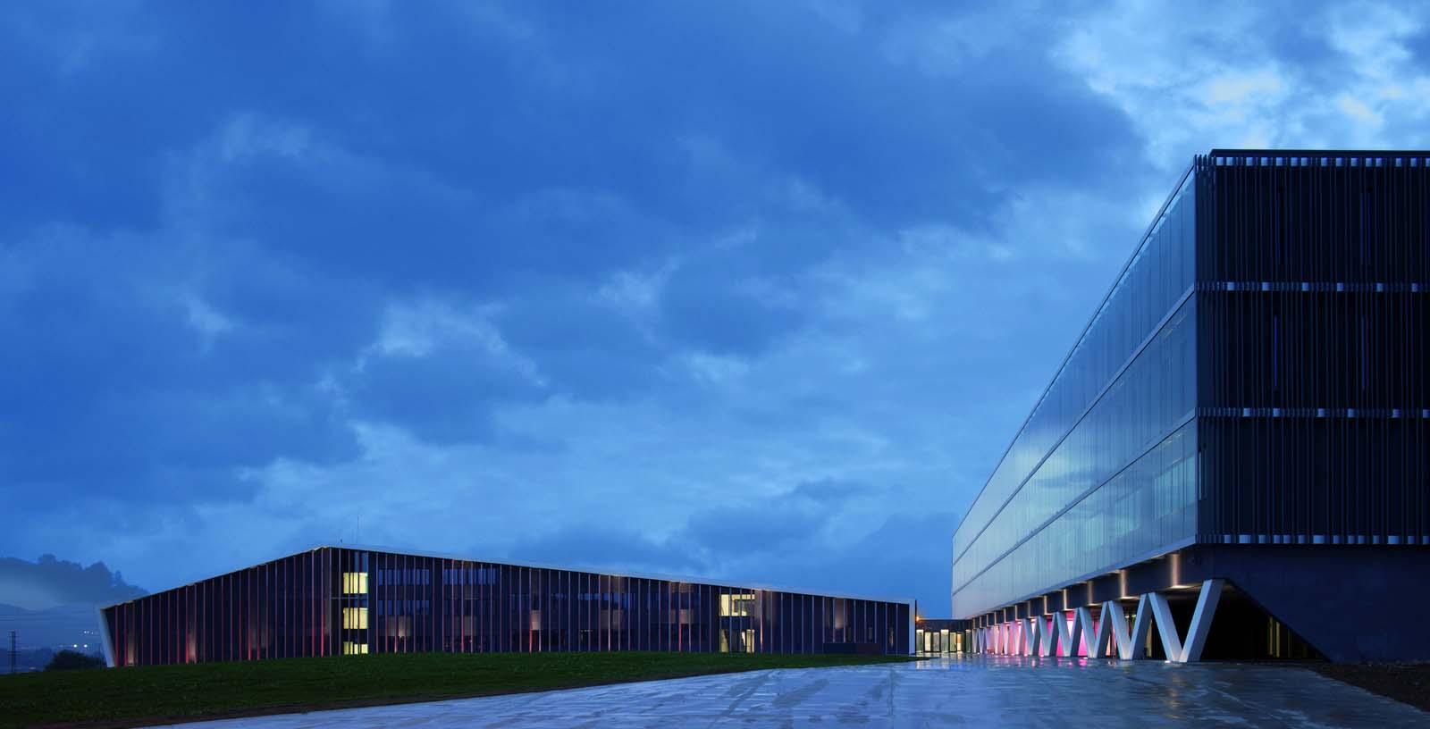 Teacher_Training_School_01_Architecture_Idom_photos_Aitor_Ortiz