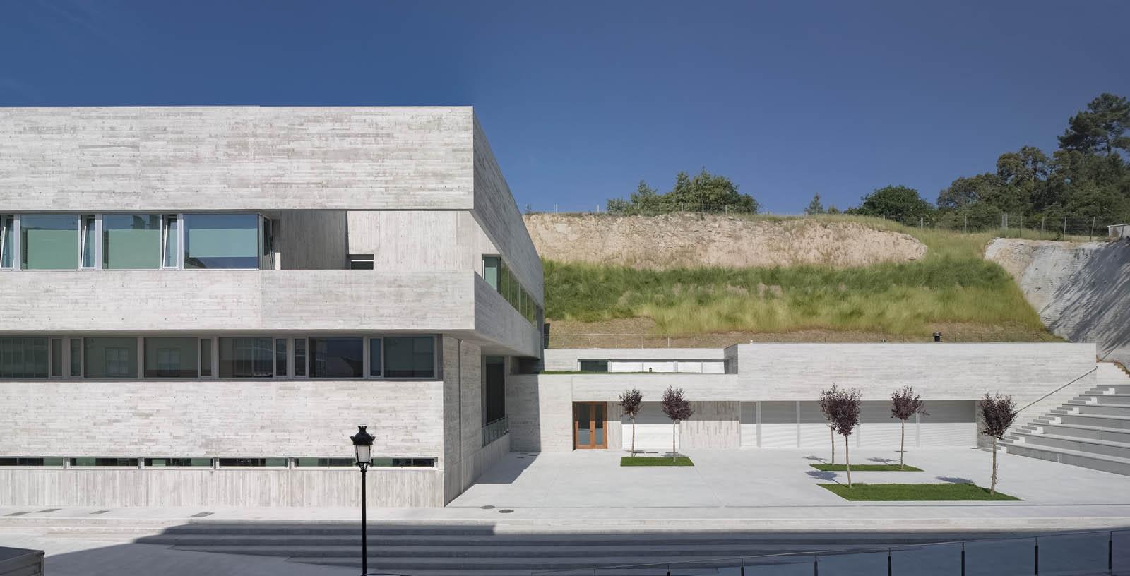 Valenza__Health_Center_004_Architecture_IDOM_Copyright_Aitor_Ortiz