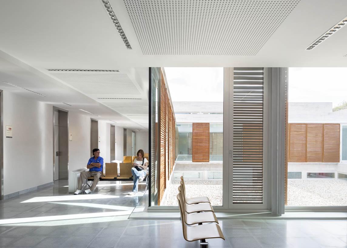Valenza__Health_Center_005_Architecture_IDOM_Copyright_Aitor_Ortiz