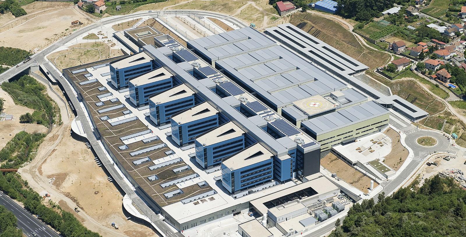 Vigo_Hospital_01_Building_Idom