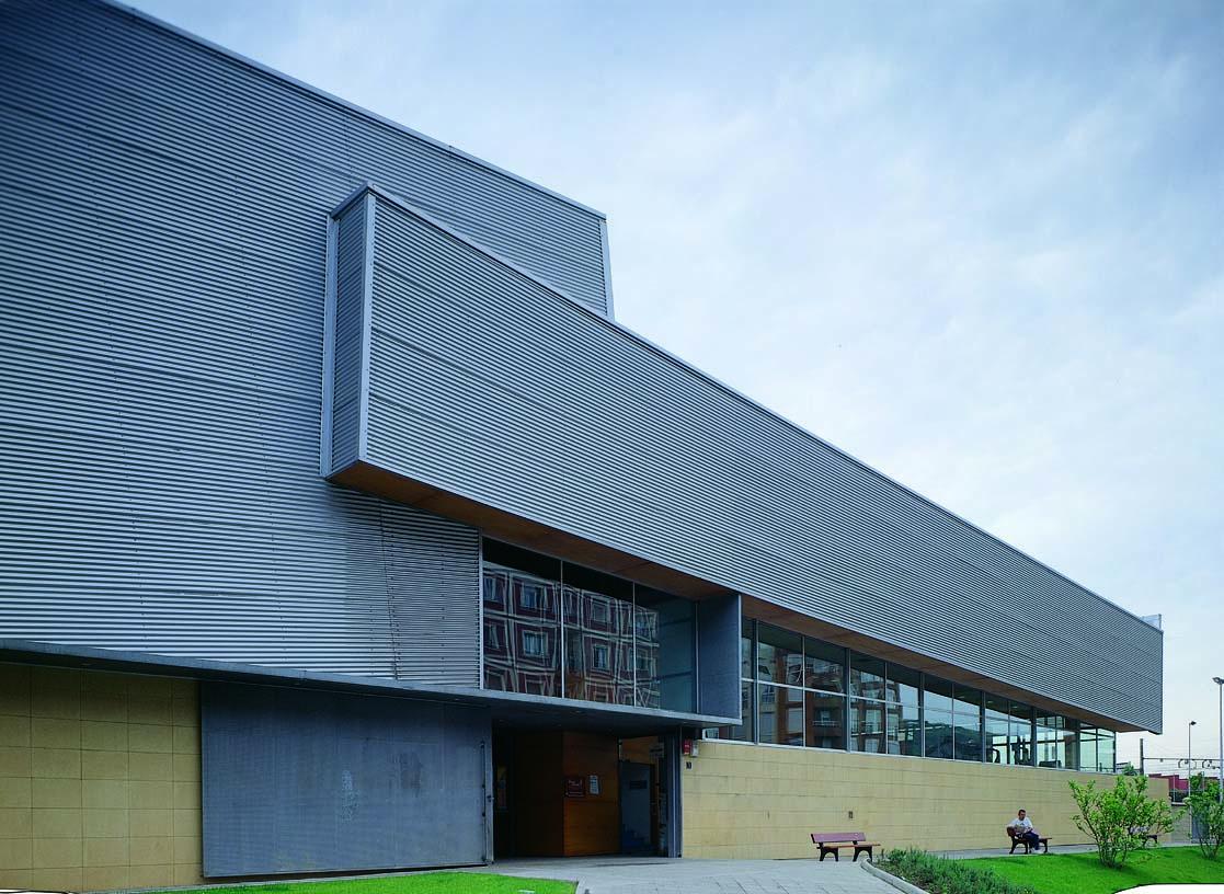 Zorroza_Sports_Centre_Architecture_01_IDOM