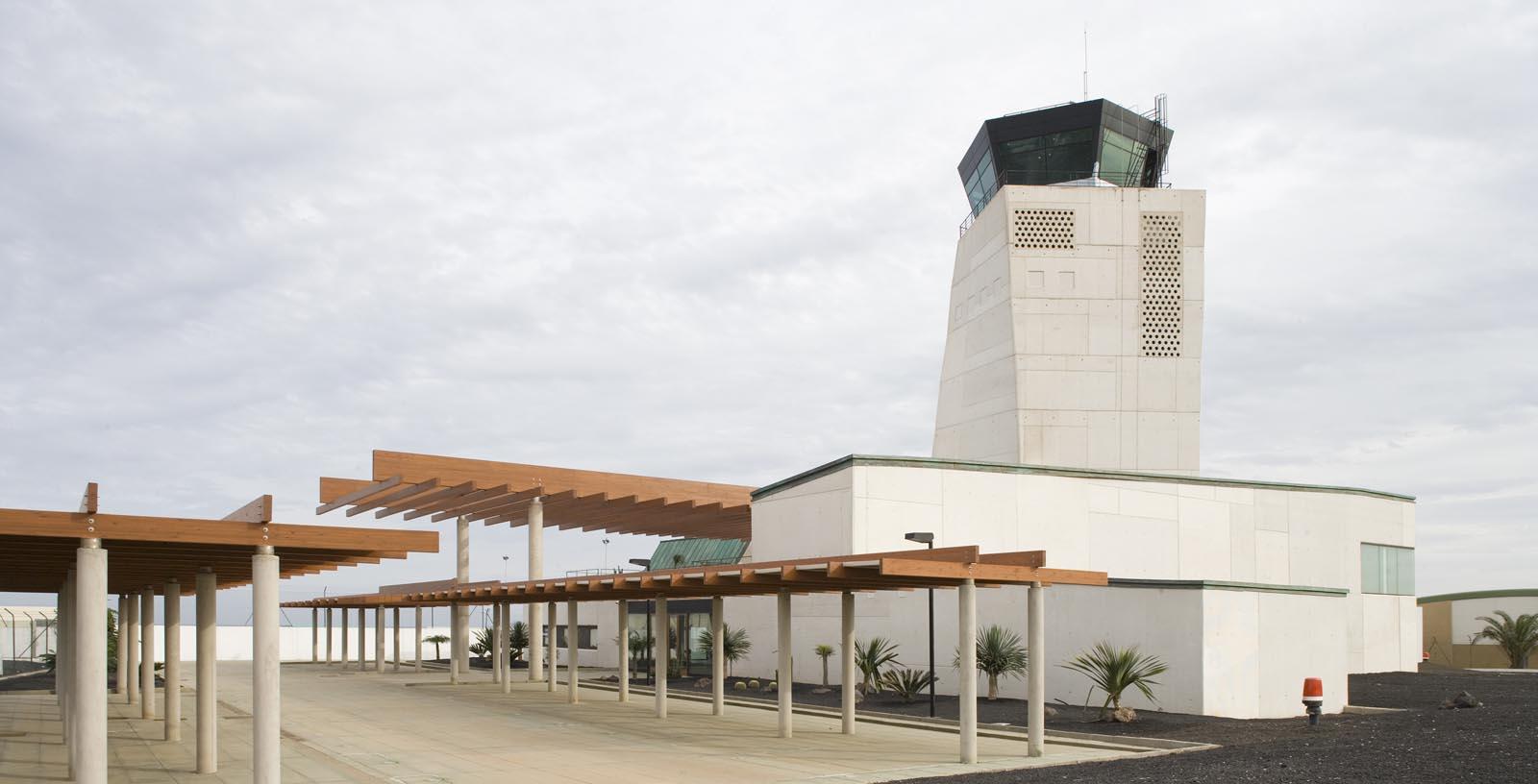 control-tower-fuerteventura-airport-02-Architecture-IDOM-copyright-Miguel_de_Guzman