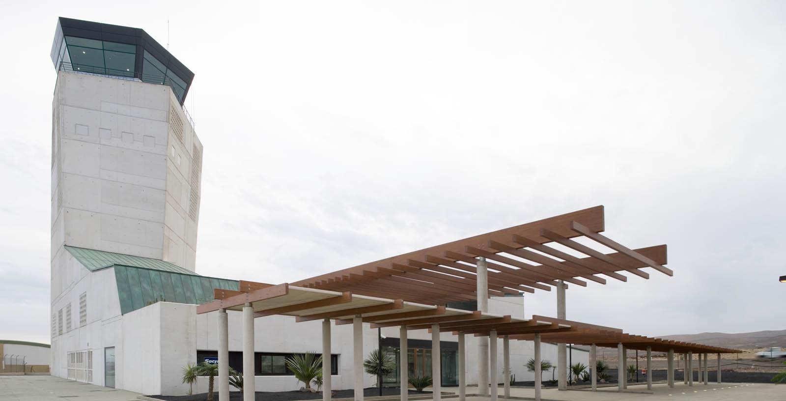 control-tower-fuerteventura-airport-03-Architecture-IDOM-copyright-Miguel_de_Guzman