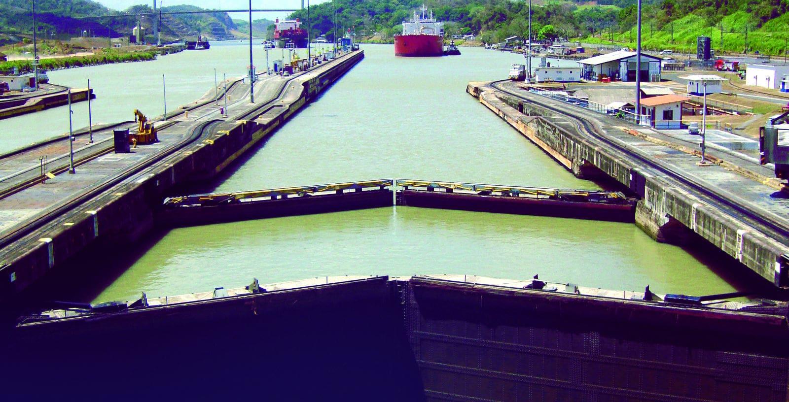 Canal_Panama_2_web-min