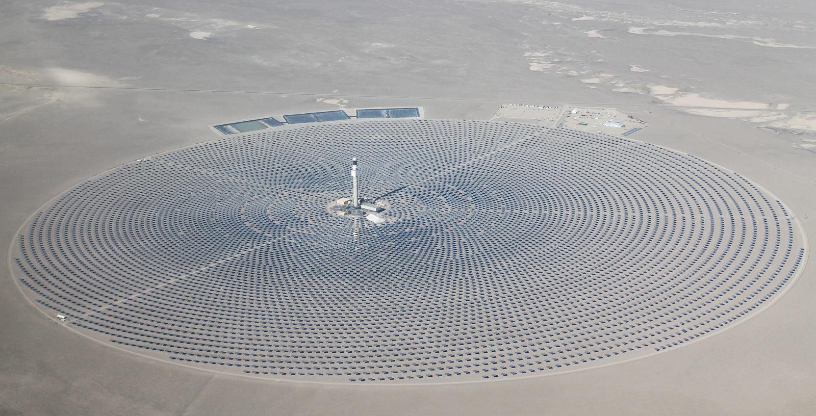 CRESCENT_DUNES_ CONCENTRATING_SOLAR_POWER_PLANT_ USA_IDOM_03_Cobra